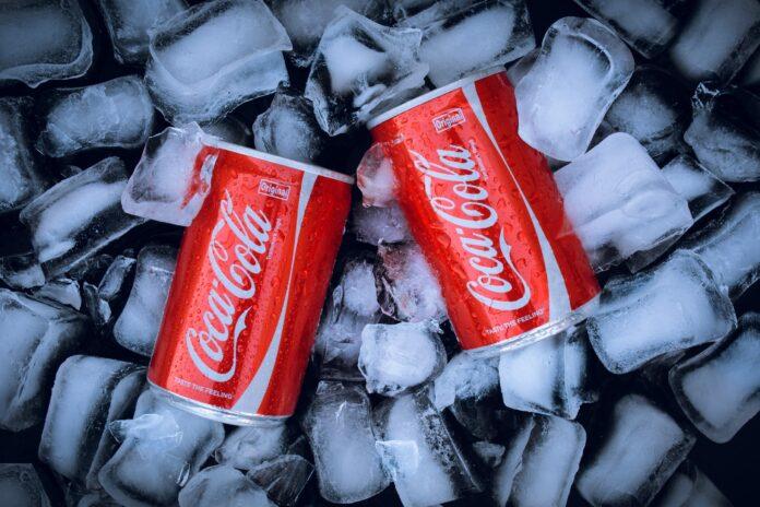 coca cola, soft drink