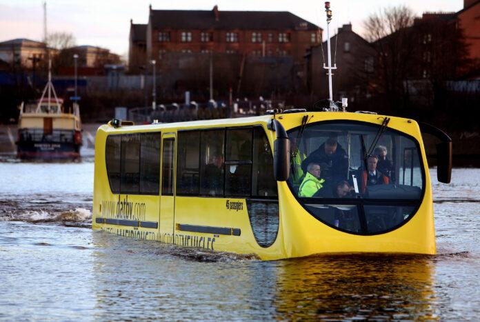 amphibious bus