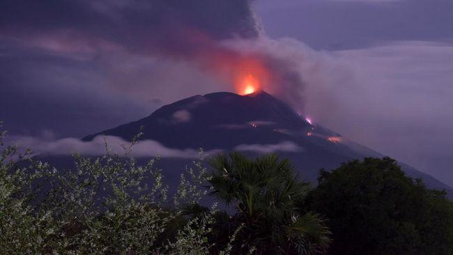 Mount Ili Lewotolok