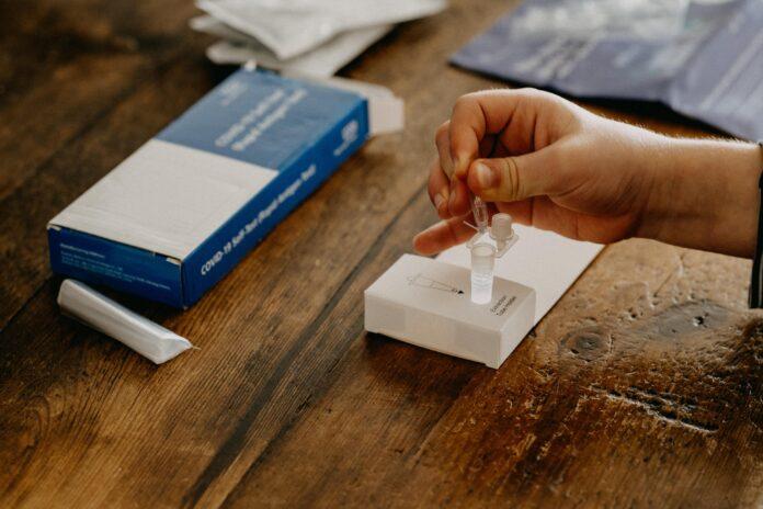 PCR-Antigen Test